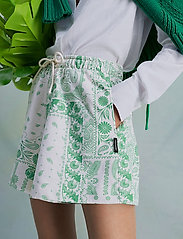 HOLZWEILER - Musan Sweat Shorts  - shorts casual - green mix - 0