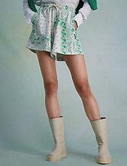 HOLZWEILER - Musan Sweat Shorts  - shorts casual - green mix - 3