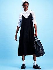 HOLZWEILER - Svinten Dress - maxi dresses - black - 0