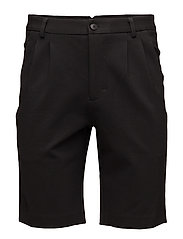 GISLE Shorts - BLACK