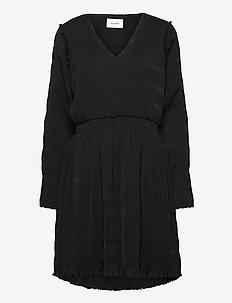 Rica Pleat Dress - hverdagskjoler - black