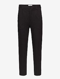 ISAK Trousers - BLACK