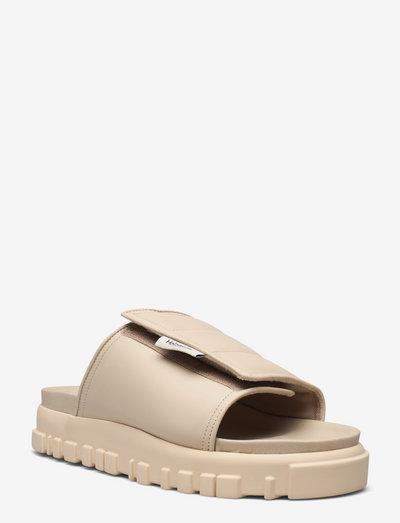 Holmen Sandal - flat sandals - ecru
