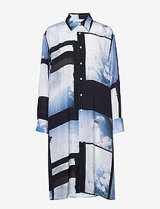 Free Shirt - skjortklänningar - heaven blue print
