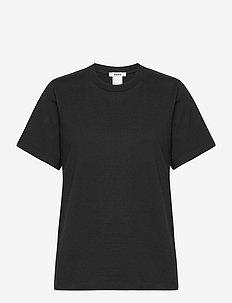 Standard Tee - t-shirts - black