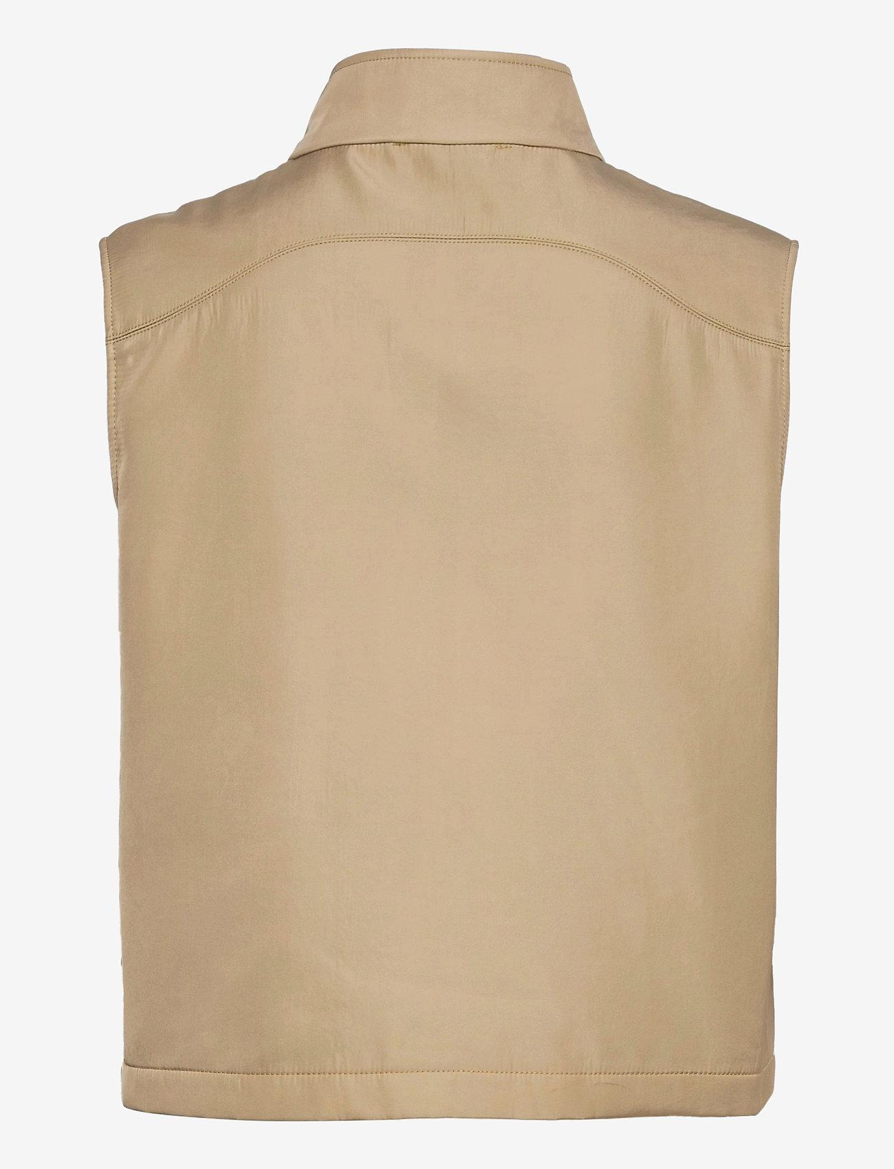 Hosbjerg - VALMU SHORT VEST - puffer vests - sand - 1