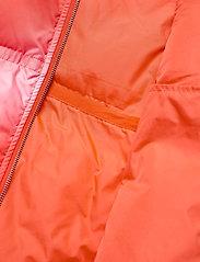 Hosbjerg - CATH DONNA TAMARA VEST - puffer vests - red fade - 2