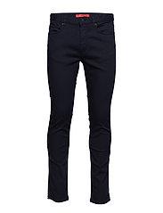 Hugo 734 Slimmade Jeans Svart HUGO
