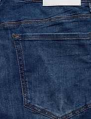HUGO - HUGO 708-S 193_DA - farkkushortsit - bright blue - 4