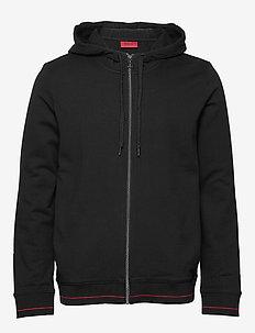 Daple202 - perus-college-paitoja - black