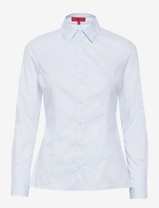 The Fitted Shirt - LIGHT/PASTEL BLUE