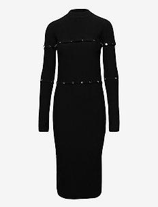 Shyanna - stramme kjoler - black