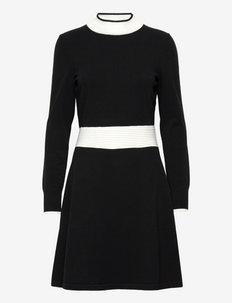 Sumery - stickade klänningar - black