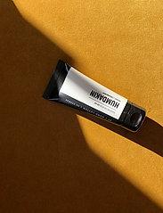 Humdakin - 03 hand lotion - peony and cranberr - handkräm & fotkräm - clear - 0