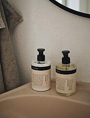 Humdakin - 01 hand soap - chamomile and sea bu - handtvål - clear - 0