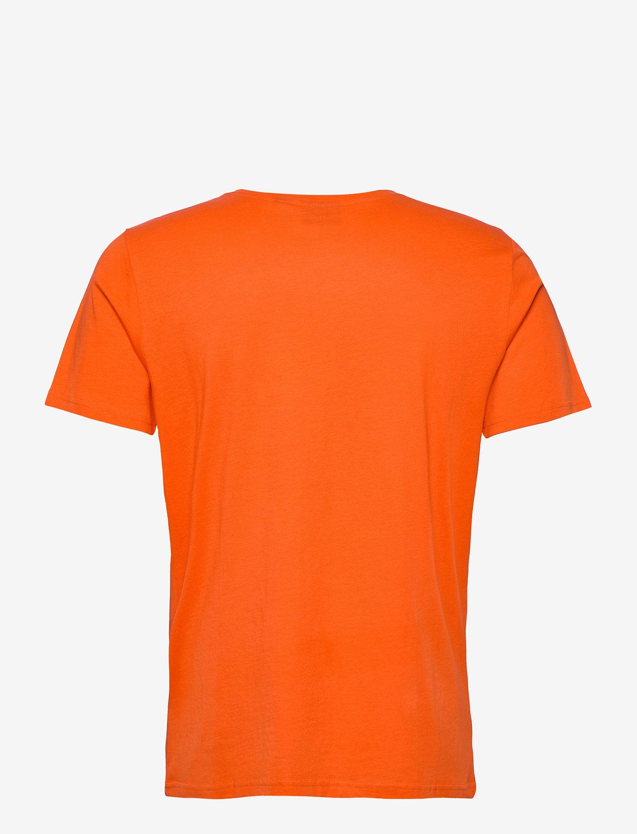 Hummel hmlACTON T-SHIRT - T-skjorter TANGERINE TANGO - Menn Klær