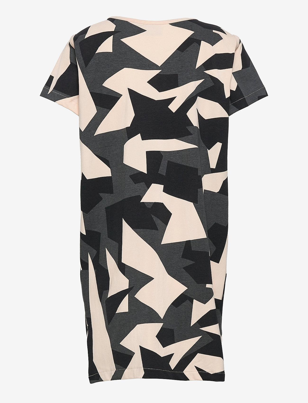 Hummel - hmlDISH DRESS S/S - kleider - black/black - 1