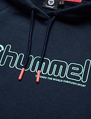 Hummel - hmlNONI HOODIE - hupparit - black iris - 2