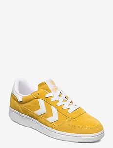 VICTORY - låga sneakers - cream gold