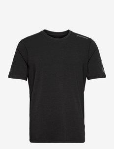 hmlMACE T-SHIRT - t-shirts - black