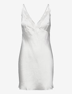 SD Satin Lily - bodies & slips - snow white
