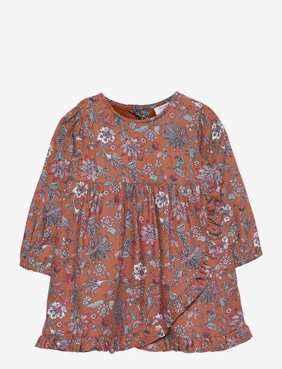 Katrin - Dress - jurken - carob