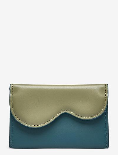 WALLET WAVY SOFT - purses - moss/bone