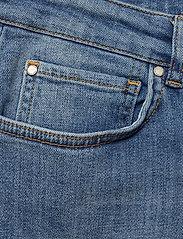 IBEN - Frankie Girlfriend - straight jeans - medium blue - 2