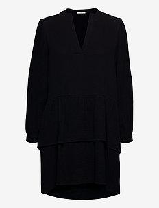 Micah Dress WRP - sukienki do kolan i midi - black