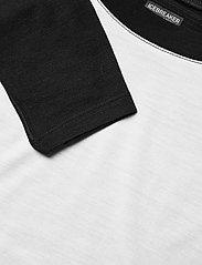 Icebreaker - Wmns Kinetica LS Crewe - långärmade tröjor - snow/black - 2