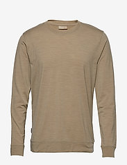 Icebreaker - Mens Nature Dye Drayden LS Crewe - langarmshirts - almond - 0