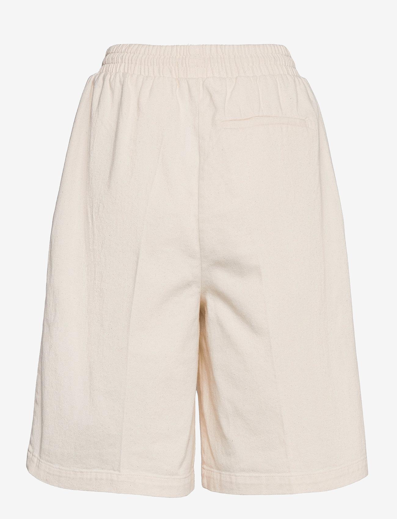 ICHI - IHGALENA SHO - casual shorts - pristine - 1
