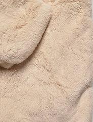 ICHI - SIMPO JA - faux fur - tapioca - 3
