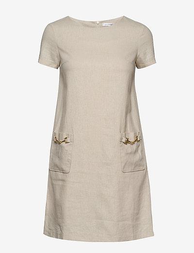 Teardrop dress - midi kjoler - beige