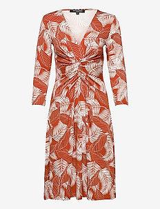 Dress - sukienki na codzień - redwood
