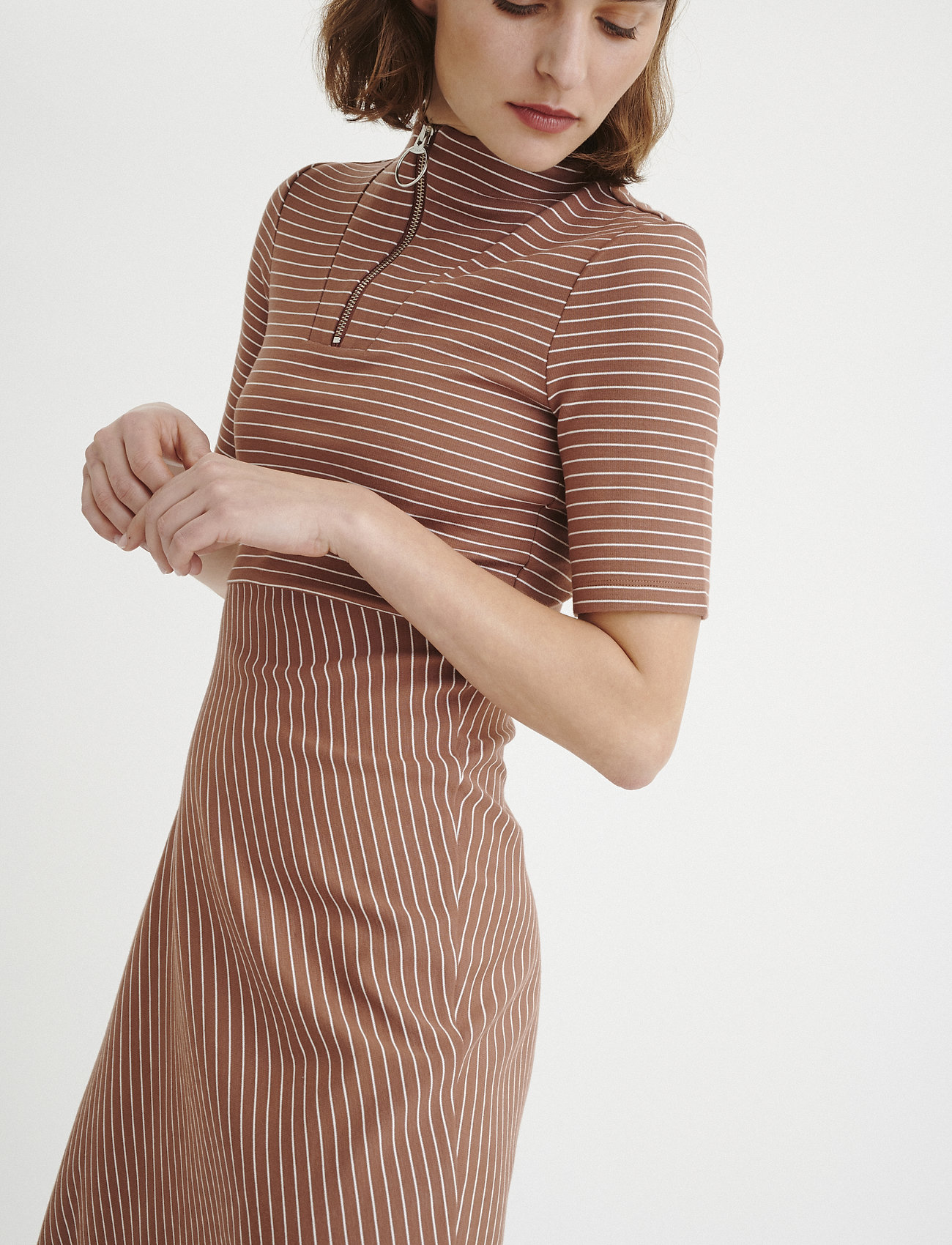 InWear AnnabelIW Dress - Kjoler CINNAMON / WHITE SMOKE STRIPE - Dameklær Spesialtilbud