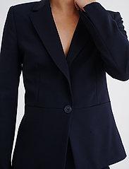 InWear - Zella Blazer - figursydda kavajer - marine blue - 5