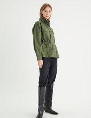 InWear - YumaIW Jacket - utility jassen - beetle green - 3