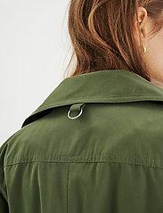 InWear - YumaIW Coat - trenchcoats - beetle green - 5