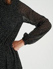 InWear - VilmaIW Dress - alledaagse jurken - black minimal dot - 6