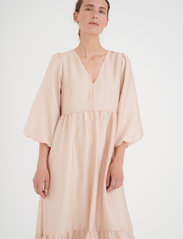 InWear - YivaIW Dress - sommerkjoler - powder beige - 0