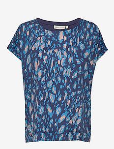 Sicily Tshirt - kortärmade blusar - ink blue irregular animal