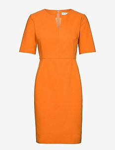 Zella Dress - fodralklänningar - golden sunset