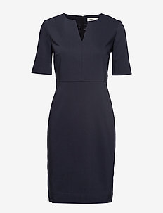 Zella Dress - midi kjoler - marine blue
