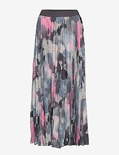 IW50 35 NaomiIW Skirt - STORMY SKY