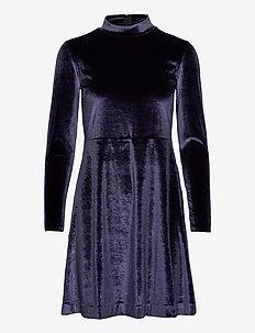 OrielIW Short Dress - midi kjoler - midnight magic