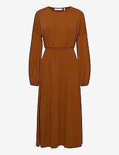 ChristelIW Dress - maxiklänningar - leather brown