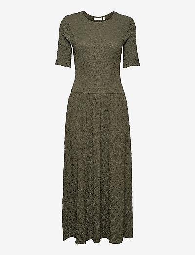 BeatriceIW Dress - robes d'été - beetle green