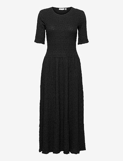 BeatriceIW Dress - robes d'été - black