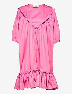 Hertta dress - sommarklänningar - pink